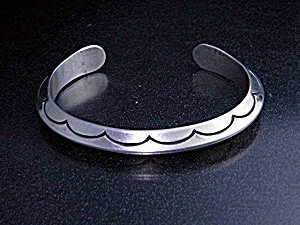 Native American Sterling Silver Raymond Yazzie Cuff (Image1)
