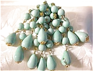 Vintage Turquoise TeardropPlastic  Lucite ClusterBrooch (Image1)