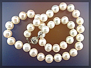 Necklace Freshwater Pearls Hand Knotted 10mm
