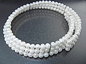 Freshwater Pearls Collar 4 Rows Free Size Stretch Wire
