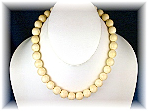 Necklace Pre Ban Ivory Beads 11mm 40s (Image1)