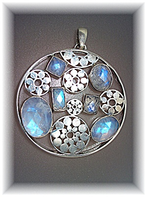 Pendant Sterling Silver Rainbow Silver Blue Moonstone (Image1)