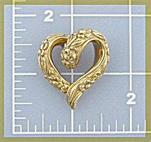 Pendant 14K Gold Heart Shaped Ornate   (Image1)