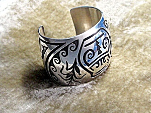 Native American Sterling Silver Cuff Signed W (Image1)