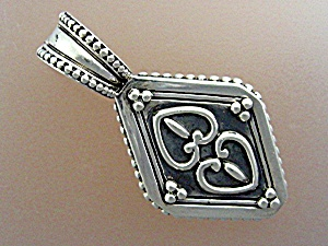 Sterling Silver Elyse Ryan Hearts Pendant Enhancer (Image1)
