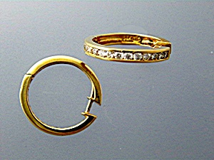 Earrings14K Yellow Gold and Diamond Huggie  (Image1)