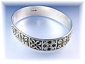 Sterling Silver Quilt Patterns Hawaii Bangle Bracelet  (Image1)