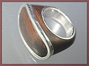Sterling Silver and Wood Unsigned Designer Ring (Image1)