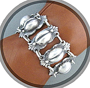 HECTOR AGUILLAR Look Coffee bean Bracelet (Image1)