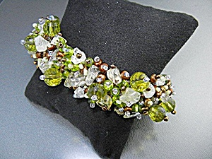 Peridot Crystal Pearls Glass Bracelet Magnetic Clasp