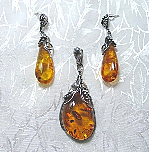 Sterling Silver Honey Amber Pendant and Earrings (Image1)