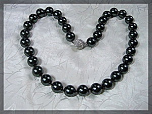 Tahitian Dark Grey Shell Pearls  Crystal Clasp Necklace (Image1)