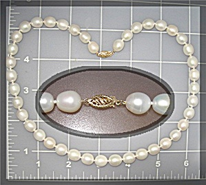 14 K Gold Clasp  Freshwater Pearl Necklace 18 Inch 9mm (Image1)