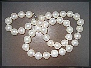 Freshwater Pearl Necklace  18 inches Sterling Silver Cl (Image1)