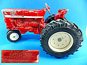 Toy International Red Tractor Ertl 18-4-34