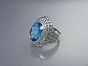 Blue Topaz Pebble Sterling Silver Ring Indonesia (Image1)