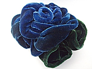 Brooch Pin Blue and Green Velvet Rose Robbins Californi (Image1)