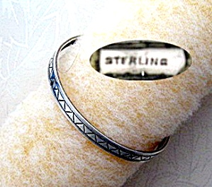 Vintage Bangle Bracelet Sterling Silver (Image1)