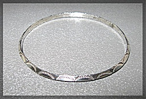 Native American Sterling Silver Bangle Bracelet (Image1)
