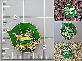 Vintage giggler Frog on a lily pad brooch (Image1)