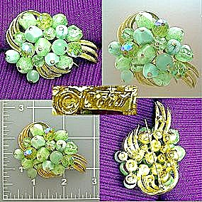 Vintage CORO brooch pin in goldtone and greens (Image1)