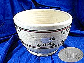 Pottery Bowl Artist Signed Sheep and Grass 86, (Image1)