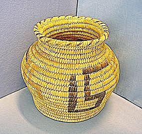 Papago (Tohono O'odham) Native American Indian Basket (Image1)