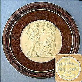 Porcelain Cameo Wood Velvet Frame (Image1)