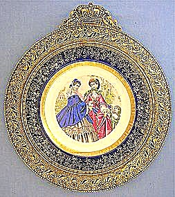French Le Follet fashion porcelain plate brass frame (Image1)