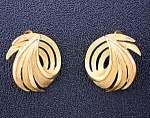 Crown Trifari Brushed Gold Swirl  Pull Clip Earrings