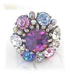 Sparkling 'Bling'Hollycraft Ring adjustable . . . . . .