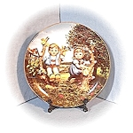 Click to view larger image of 1989 Apple Tree Boy & Girl Hummel Plate (Image1)