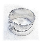 Click here to enlarge image and see more about item 0321200596: Vintage Silvertone Napkin Ring