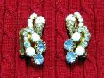 Click to view larger image of HOBE Gold Filigree Blue Crystal Glass Clip Earring (Image5)