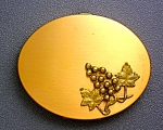 Click here to enlarge image and see more about item 0529200707a: Gold Grape Motif Powder Compact