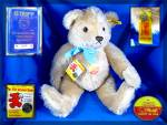 Click here to enlarge image and see more about item 0603201012: Steiff  teddy bear with passport Number 0445