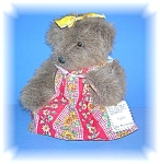 Click here to enlarge image and see more about item 06192006123: 1997 Hand Made Collectibel Teddy By Sharon Stratton