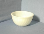 Click here to enlarge image and see more about item 06230206a: Anchor Hocking Fire King Mixing Bowl USA