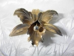 Flower Brooch Goldtone Vintage 60s