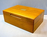 Click here to enlarge image and see more about item 0716200703: WALNUT WOOD BOX VINTAGE