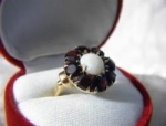 14K Gold Garnets Opal Flower 1950s Ring