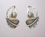 Click to view larger image of Silver Clip Earrings Sarah Coventry. (Image1)