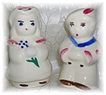 Click here to enlarge image and see more about item 0930200505: SHAWNEE Boy & Girl Salt & Pepper Shakers
