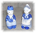 Click here to enlarge image and see more about item 1004200507: DELFTS BLUE HOLLAND SALT AND PEPPER SHAKERS