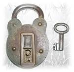 Click here to enlarge image and see more about item 1008200506: ANTIQUE PIRATE'S PADLOCK AND KEY