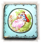 EXQUSITE HAND PAINTED PORCELAIN TRINKET BOX..