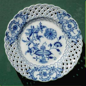 Meissen hand-painted reticulated plate (Image1)