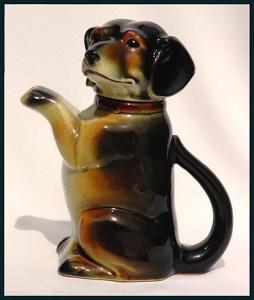 Erphila figural dachshund teapot (Image1)