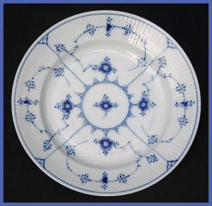 "Royal Copenhagen Blue Fluted plate (8 7/8"") (Image1)"