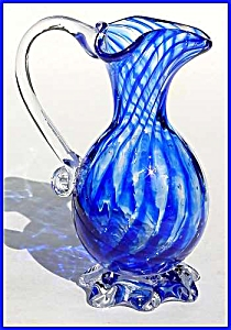 Kraft 1968: Blue striped footed pitcher (Image1)